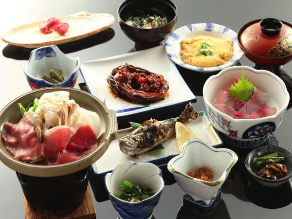 鯉・岩魚といった川魚を中心にした田舎料理をお楽しみください。