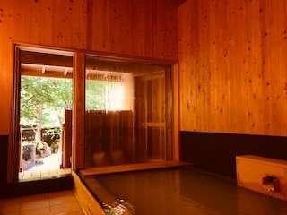 木の香りのする湯屋