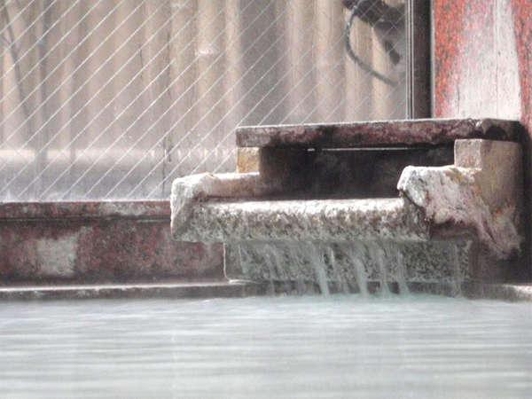 *名湯・草津の湯を100%源泉掛け流しでたっぷりとご堪能頂けます。