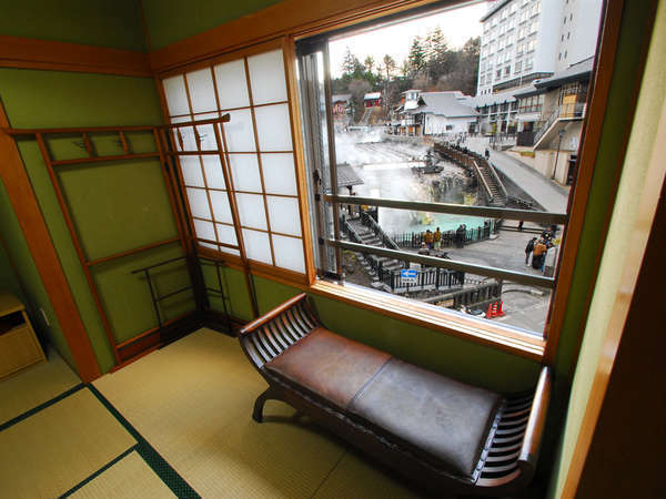 和室12畳+4.5畳和室 湯畑展望のお部屋