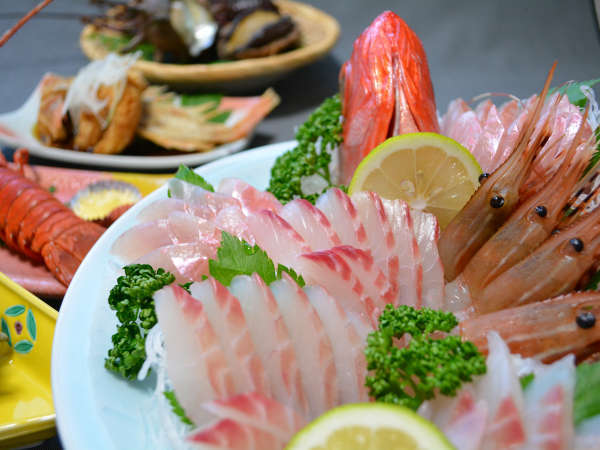 【雲見温泉 味のふるさと 川端荘】朝獲れの食材をご提供!ぷりっぷりの新鮮な魚介類をご用意します!