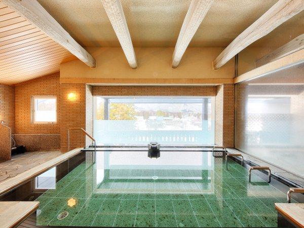 人工温泉の大浴場(スカイスパ)にてごゆっくりお寛ぎください。
