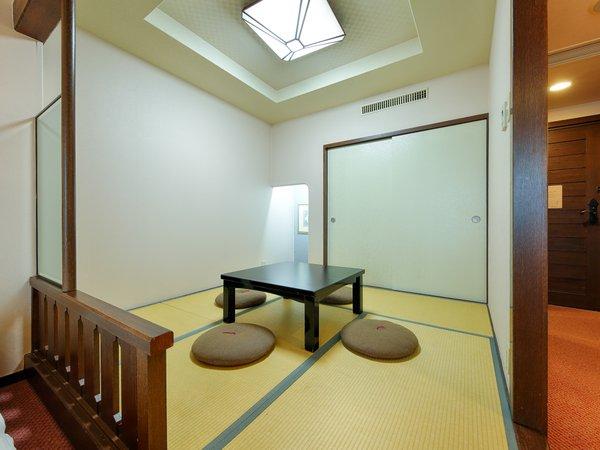 【和洋室/ツインベッド+和室4畳半(4名定員)】20年12月に全客室 畳の張り替え、修繕を行っております。