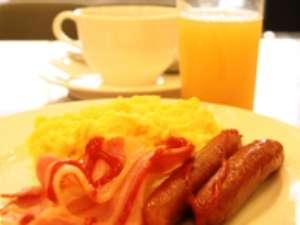 朝食:am6:45-am9:30和洋バイキングです。