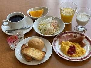 朝食:am6:45-am9:30和定食・洋定食をご用意しております。