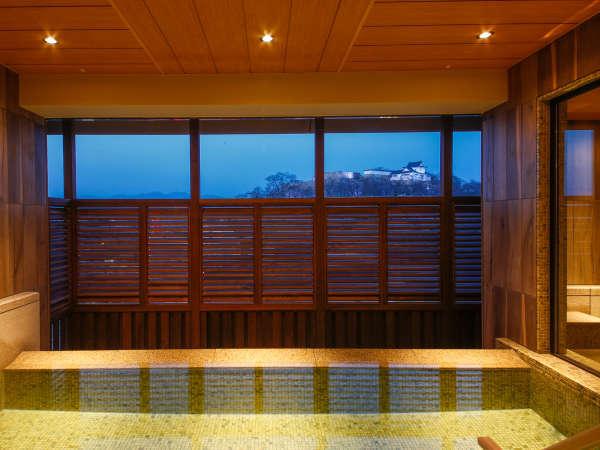 【津山温泉・城見SPA】美肌づくりの湯がなみなみと注がれる展望浴場