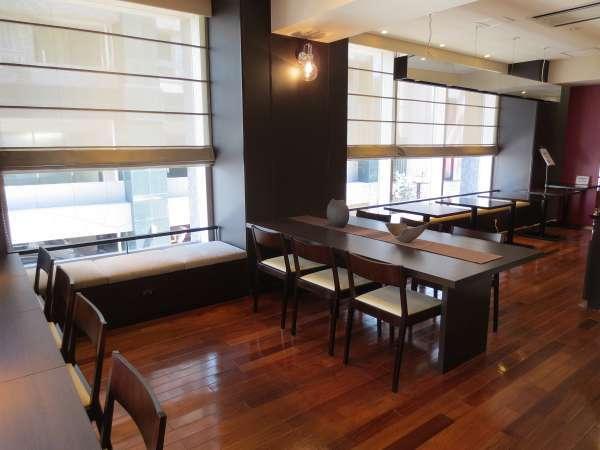 2階 ラウンジコーナー フリードリンク・朝食会場