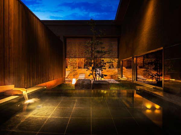 【大浴場】美肌の湯に浸かりながら長門の四季を望む露天風呂
