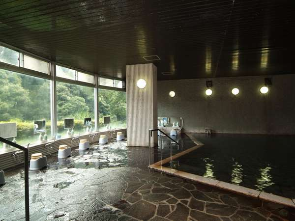 大浴場「滝の湯」