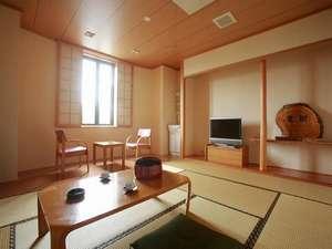 和室8畳間(浴衣、バスタオル、フェースタオル、歯ブラシセット備付)1例