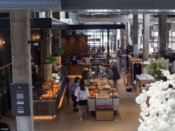 ■ONOMICHI U2/ベーカリーショップ、カフェ、レストランなど併設した尾道の新しい複合施設