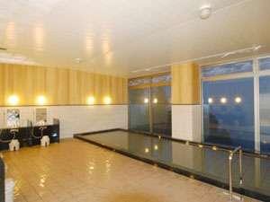 琵琶湖の夜景が一望出来る大浴場