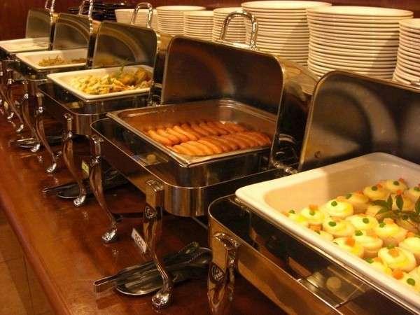 【朝食バイキング】営業時間6時45分~9時まで 一日の始まりは健康的な朝食から!