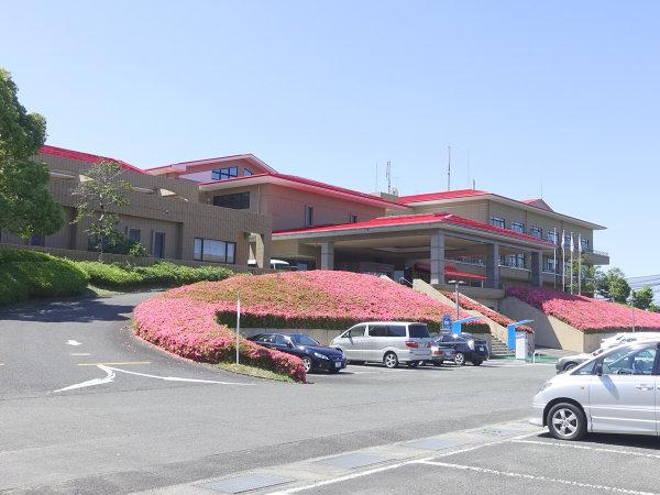 【外観】八女城陽ゴルフ倶楽部に隣接するホテルです