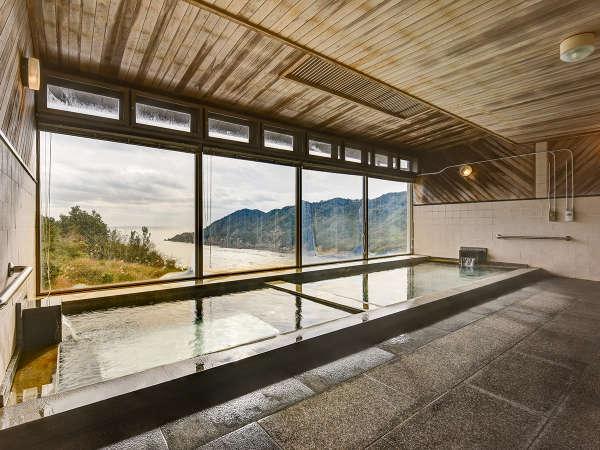 *【温泉】大きな窓から海が見える天然温泉大浴場