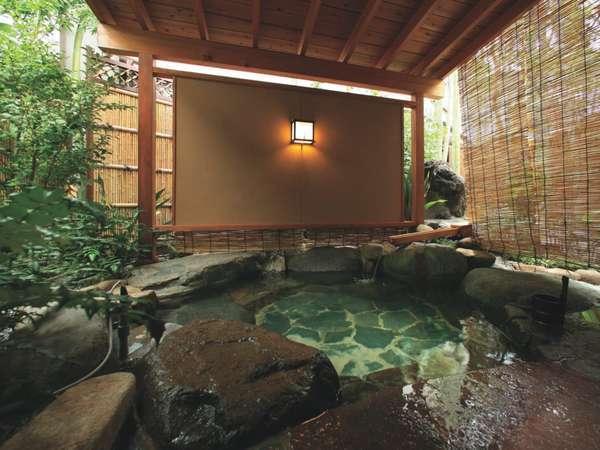 【客室 鳳凰】の客室につく優雅な露天風呂