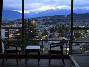 客室から望む北アルプスの絶景をお楽しみください。