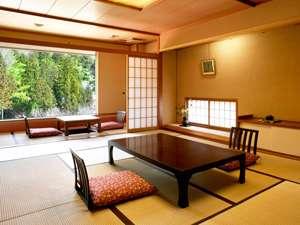 新館「亀甲亭」和室12畳 自然の趣の中でごゆっくりとお寛ぎ下さい。