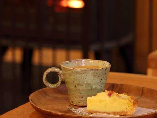 【館内一例】カフェのドリンク&ケーキ