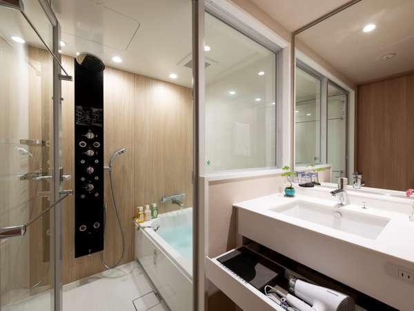 浴室(バスタブ有)多機能シャワーは全室に搭載しております。
