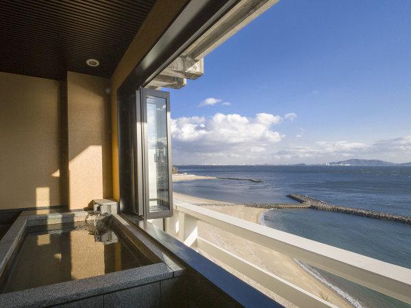 三河湾の絶景をひとり占め。最上階【貸切露天風呂】