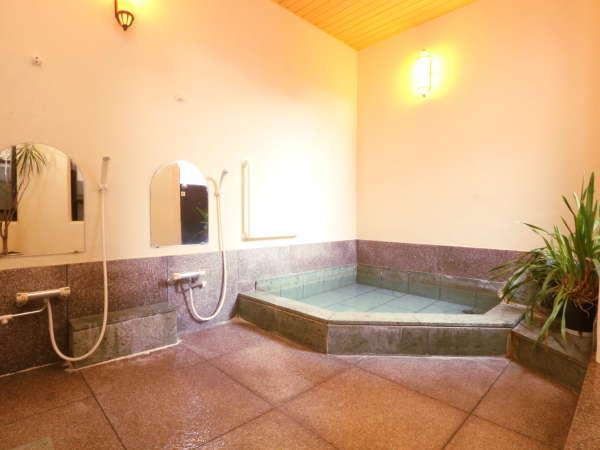 本館1階に24時間利用できる貸切温泉がございます♪(温泉)