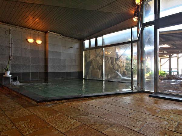 【露天風呂内湯】まずは内湯からご入浴をお楽しみ下さい♪露天風呂は内湯からお入りいただけます。