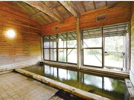 源泉かけ流し温泉・しらさぎの湯をお楽しみください