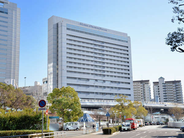 JR神戸駅前と言う好立地。クラウンパレス神戸はウォーターフロントの副都心、ハーバーランドにあります。