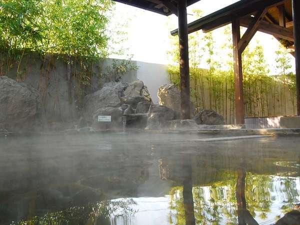 *露天風呂*季節の移ろいを風に感じながら、ゆっくりと流れる時をお楽しみ下さい。