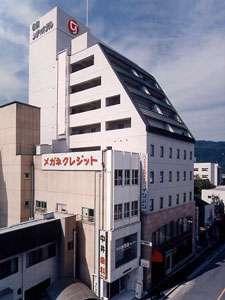 名張駅より徒歩1分!観光名所「赤目四十八滝」へも車で20分と大変便利♪