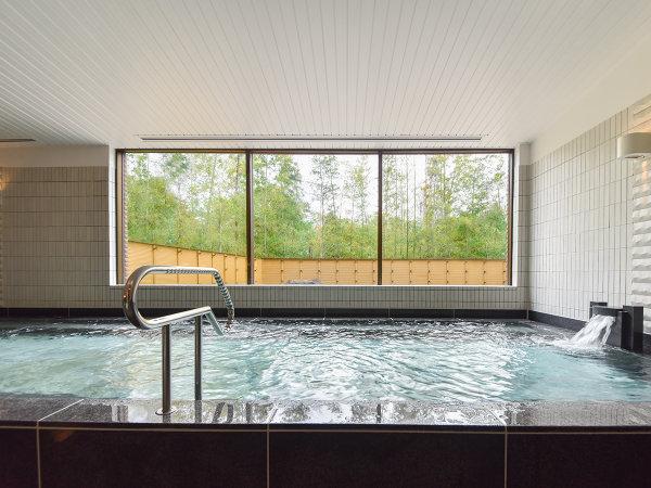*【風呂(大浴場 一例)】広々とした大浴場で、ゆっくりと旅の疲れを癒してください。