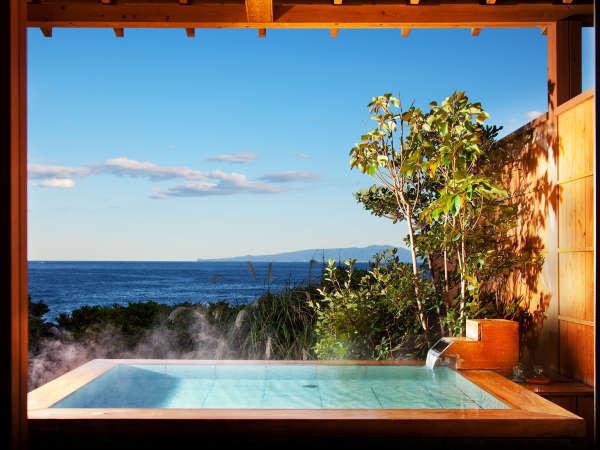 庭園露天風呂付き客室、石タイプの「潮騒」…掛け流し温泉と絶景を贅沢に独占!