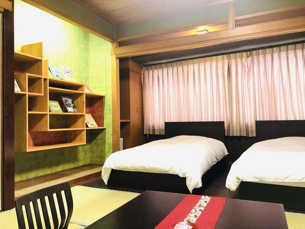 和モダンルームでゆったりと♪フローリングにベッド2台と畳敷きを備えた和モダンルームになります。