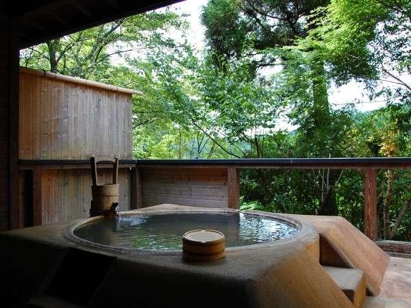 【貸切風呂】日本でココだけ!土俵をイメージして作られた「どすこい風呂」。眺めも良好!