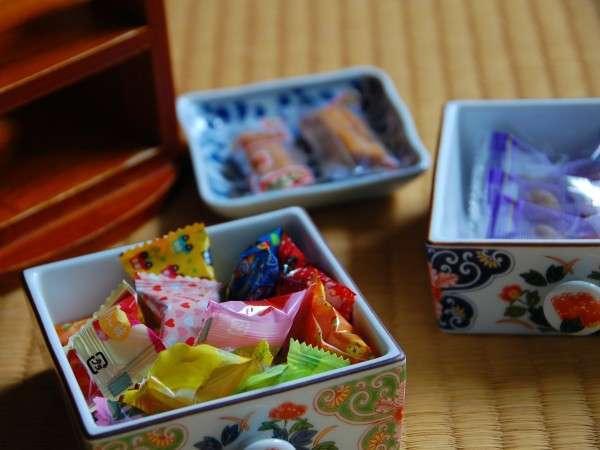 【離れ】離れ客室には飴や梅などもご用意/例