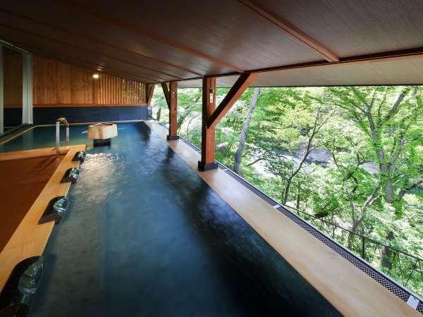 深緑の露天風呂(木颯の湯)横からのアングル