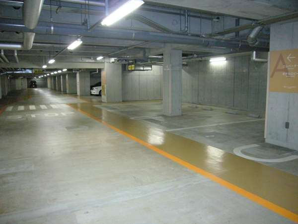【地下1階・地下2階】駐車場はご予約不要です。