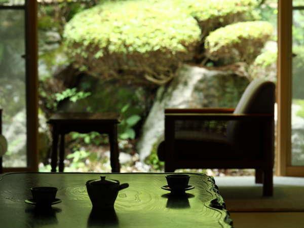 自然に囲まれた別所温泉。小鳥のさえずりが聴こえます。