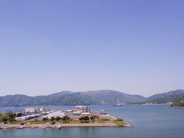 海側客室からは舞鶴港が望めます♪