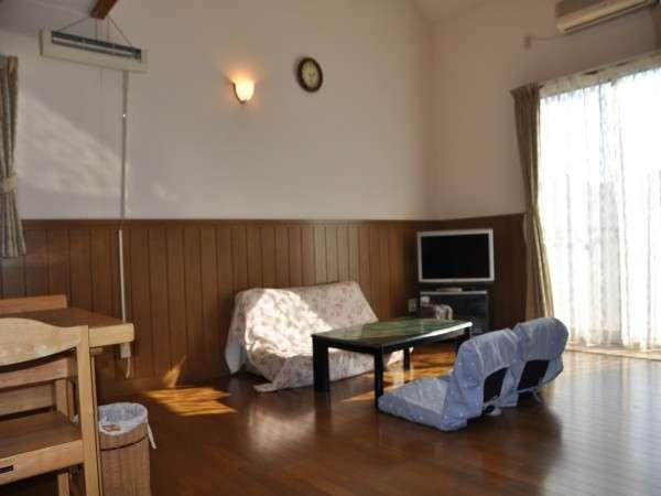 ≪お部屋≫1Fにはリビング・ダイニング・キッチン・洗面所・お風呂・トイレ・洗濯機・乾燥機があります!
