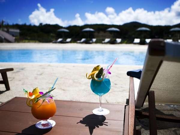 沖縄随一の広さを誇るガーデンプール リゾートの開放感を感じてください