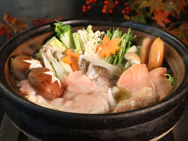 《寄せ鍋》この季節だからより美味しい!みんなで囲む、あったかお鍋♪心も体もポッカポカ◎