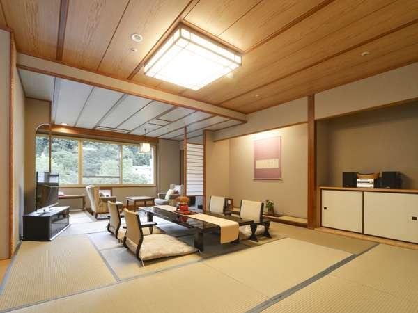 【10階以上 和室12.5畳/40㎡】高層階から望む、定山渓の山々は息をのむ美しさ