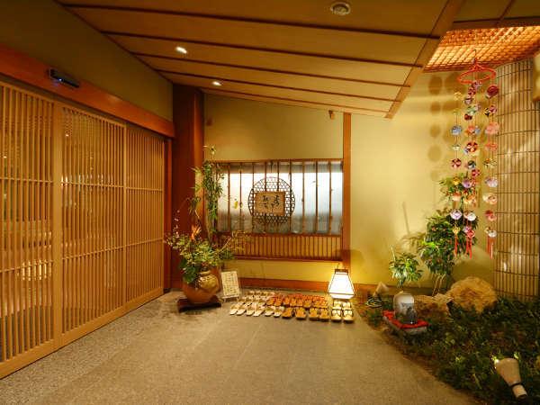 【入口】どこか懐かしい、そんな気持ちになれる玄関です(^^)