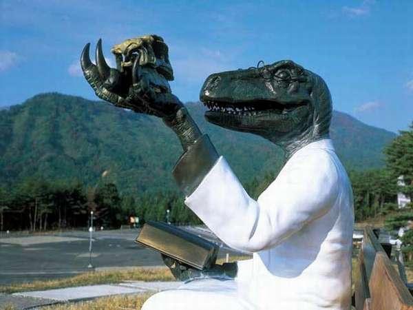 恐竜博物館【お子様に人気のスポットです】