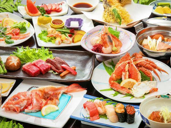 地元水揚げの新鮮な道東蟹、じゅわっと旨味広がる知床鹿肉、脂の乗った高級魚キンキなど知床の美食を堪能