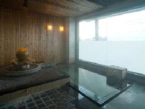 七尾湾眺望の凪の湯・・。温まって・・。