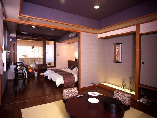 眺望絶景露天風呂付客室505号室 手前の和室とあわせて余裕の50㎡です。