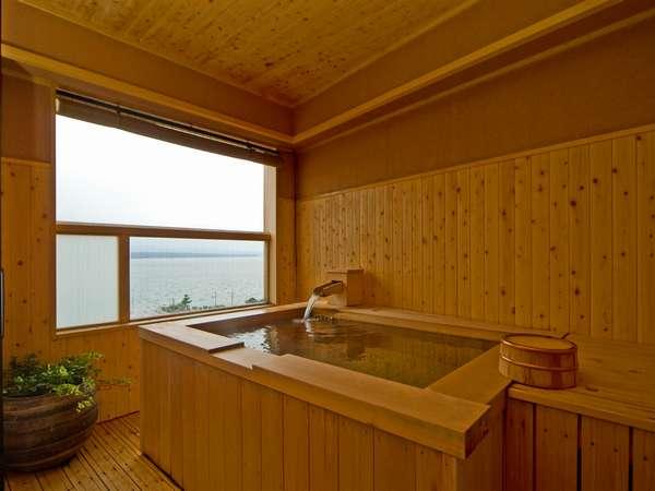 特別室のお風呂です。広々サイズで眺望絶景。